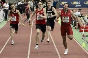 Torben Junker (Mitte) gewann Silber über 400 Meter. Die einzige Medaille für die LG Olympia Dortmund.